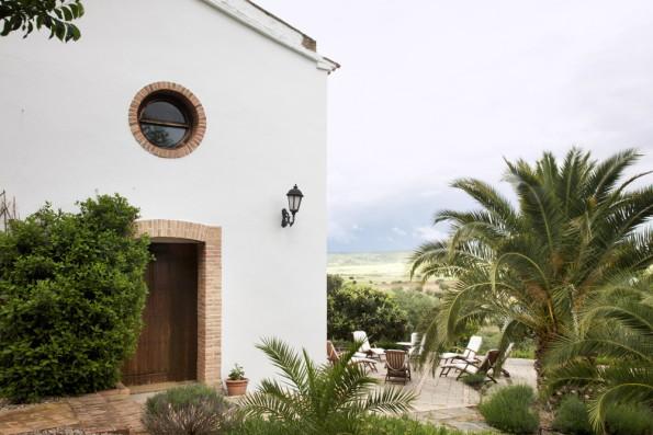 Cortijo Oropesa: Entrada Casa Marrón / Entrance Casa Marrón