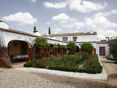 Casa Oropesa: large holiday villa near Madrid