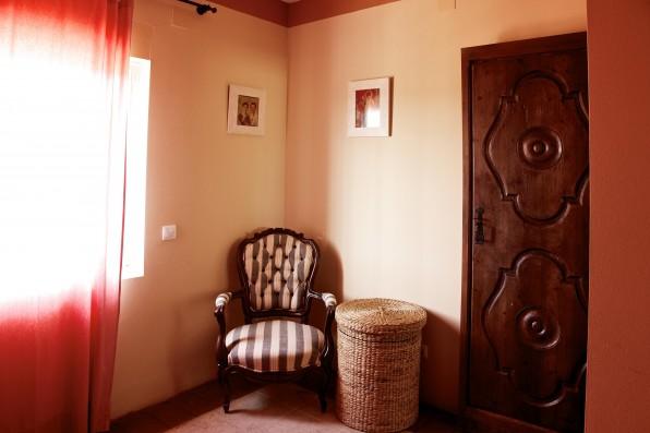 Cortijo Oropesa: Dormitorio/Bedroom 1 Casa Marrón