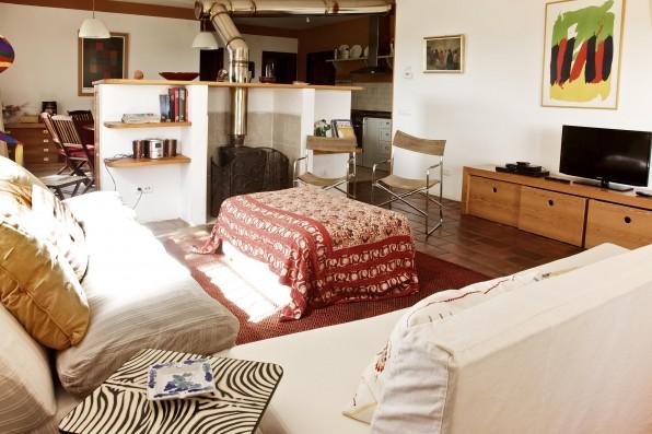 Cortijo Oropesa: Salón Casa Marrón / Living room Casa Marrón
