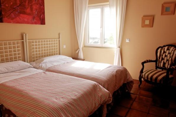 Cortijo Oropesa: Dormitorio/Bedroom 3 Casa Marrón