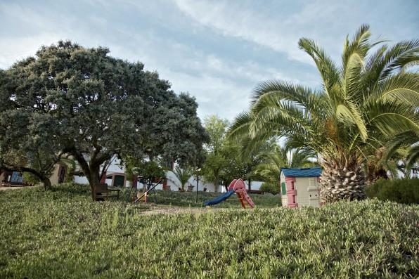 Cortijo Oropesa: Parque infantil / Children's playground