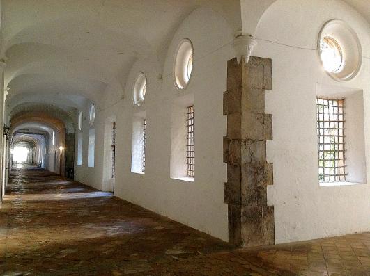 Casa Cartoixa Valldemossa: monastery hallway