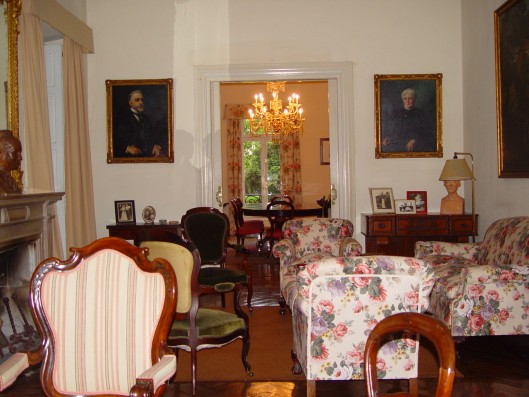 Casa Corrales: piano room