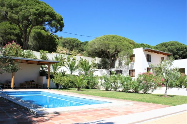 Casa Vejer: main house and swimming pool