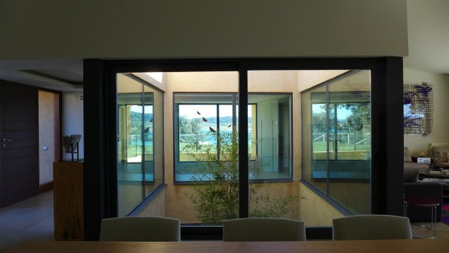 Casa Valdecañas: inner glass patio