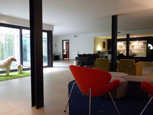 Casa Valdecañas: Sala estar planta inferior / Sitting area lower floor