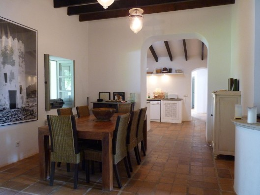 Casa Porreres: Dining-room and kitchen