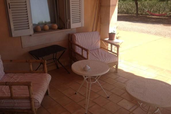Casa Campos: terraza con muebles
