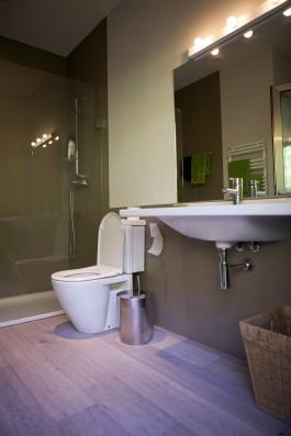 Casa Ceranzos: Double bedroom 1st floor - bathroom