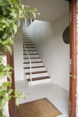 Casa Ceranzos: Staircase to living-room