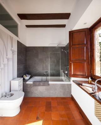 Casa Baltanás: bathroom 1