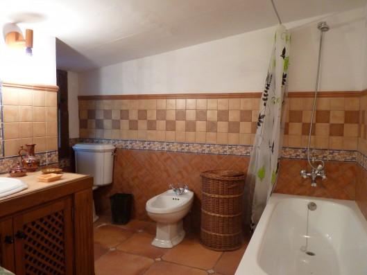 Casa Albaicin: guest house bathroom