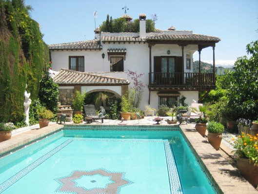 Casa Albaicin: luxury holiday villa with pool in Granada