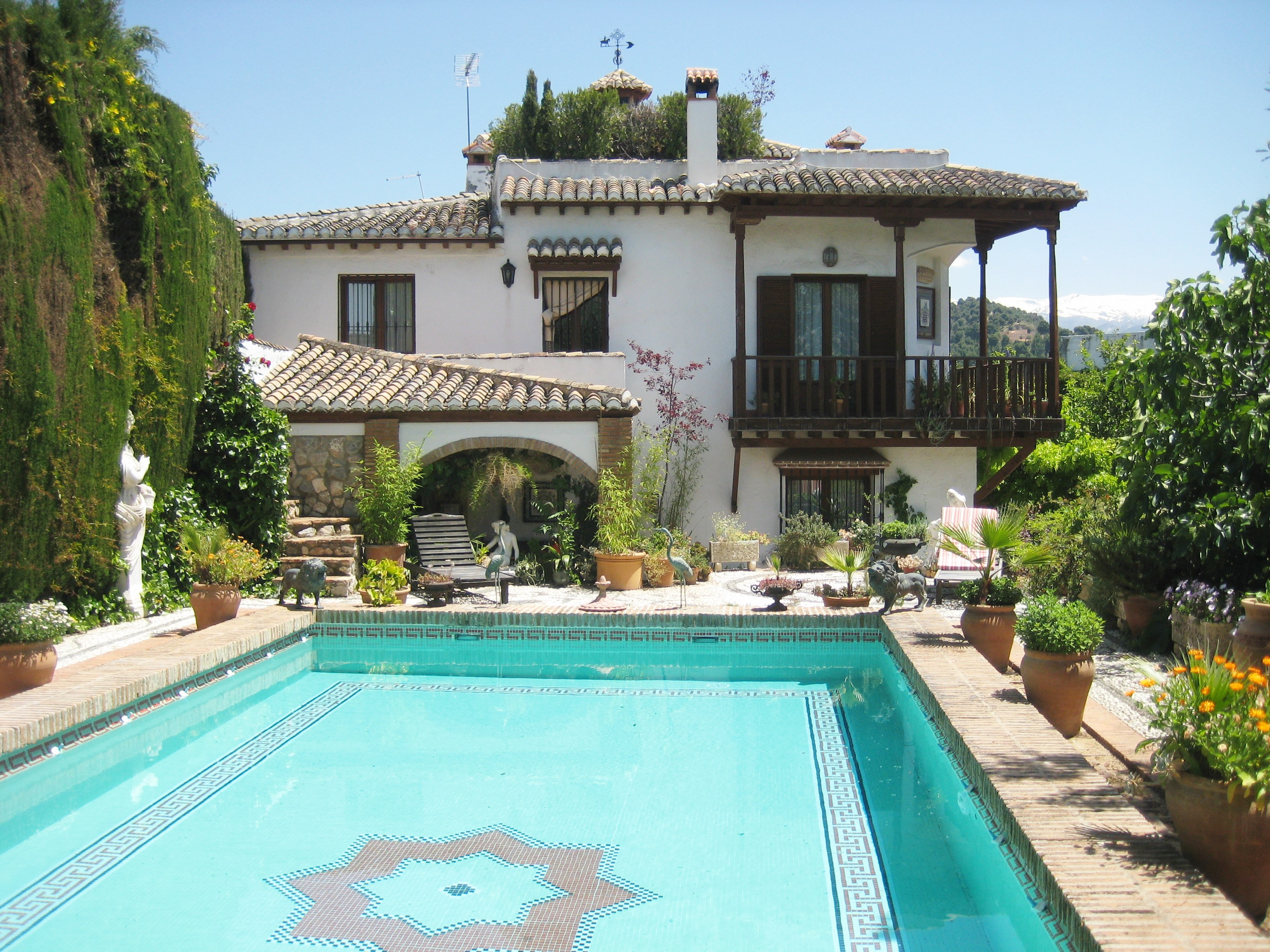 Idilio spain casa vacacional con piscina en granada for Vacaciones en villas con piscina