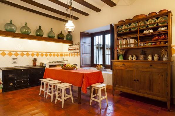 Casa Baltanás: kitchen