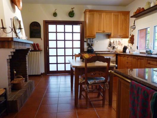 Casa Ciudad Ducal: kitchen