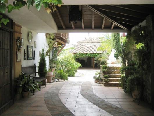 Casa Albaicin: entrance to the property