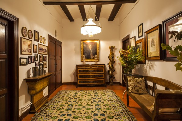 Casa Baltanás: hallway