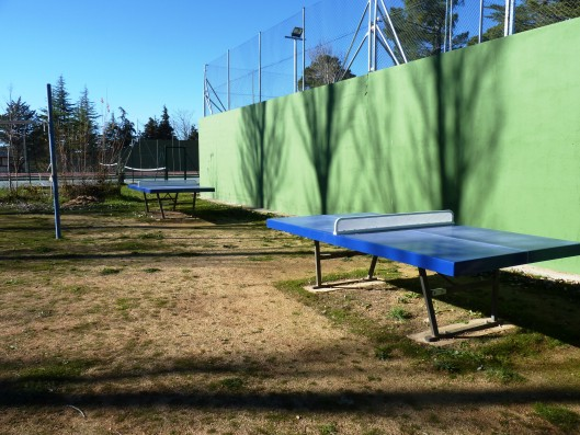 Casa Ciudad Ducal: community ping pong tables