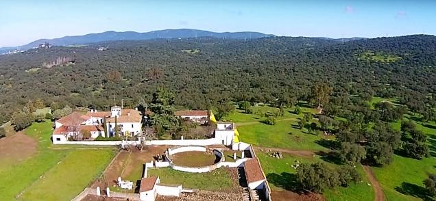 Casa Real de la Jara: finca y casa