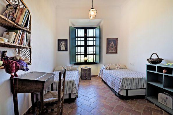 Casa Ronda: bedroom 3 with 2 extra beds, upper floor