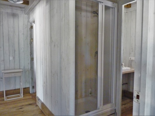 Casa Zaragate: wooden house bathroom 2