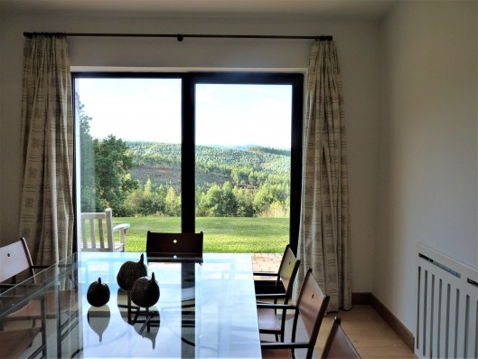 Casa Ruiseñada: dining room