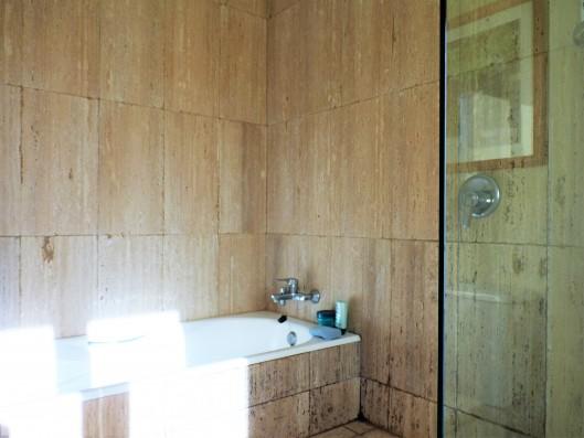 Casa Ruiseñada: bathroom of master bedroom