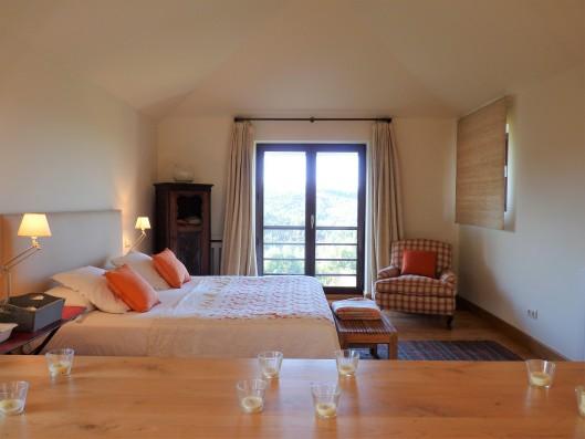 Casa Ruiseñada: master bedroom