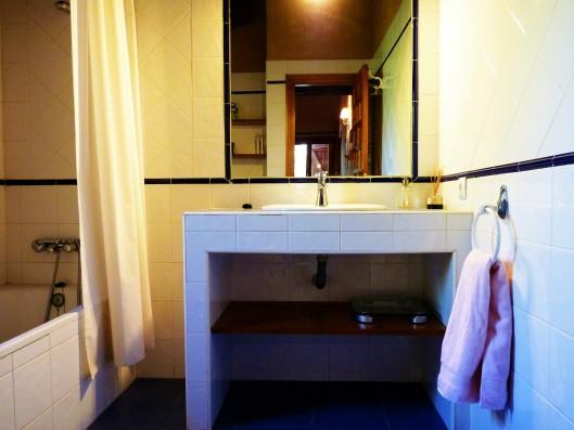 Casa Ortigosa: bathroom 1, new wing