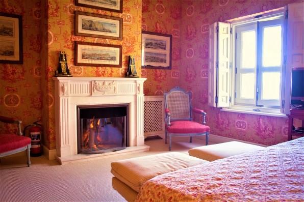 suite roja salón