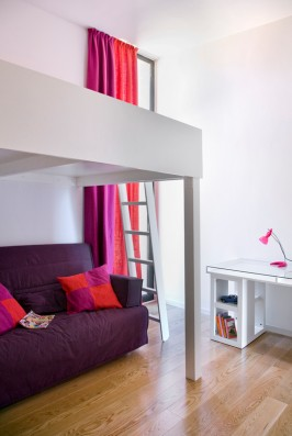 Casa La Vera Gredos: Bedroom 3 with high double bed and double sleeping sofa