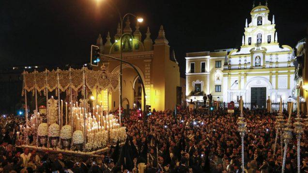 Casa Coria del Rio: Semana Santa processions in Seville