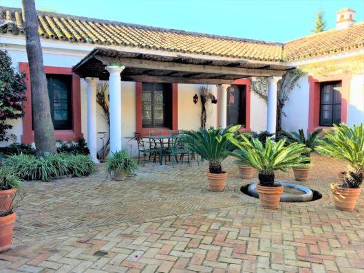 Casa Jimena: Courtyard