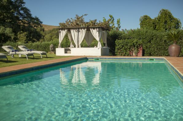 Casa Jimena: swimming pool with chill-out