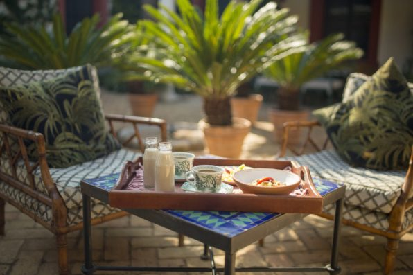 Casa Jimena: breakfast in Courtyard