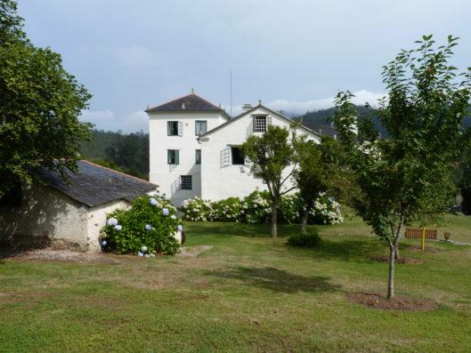 Pazo de Fontao: casa principal y jardín