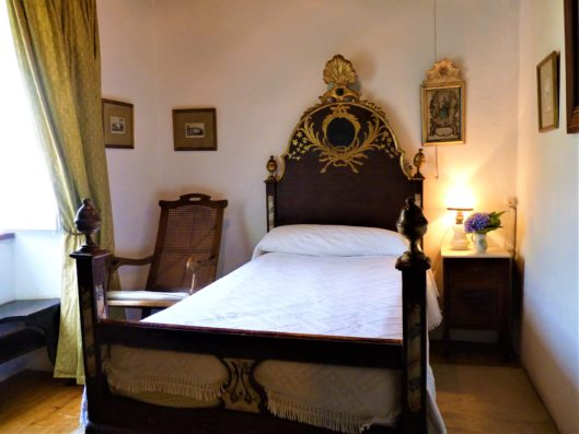 Pazo de Fontao: bedroom 1