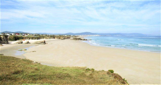 Pazo de Fontao: Barreiros beach, at 20 km.
