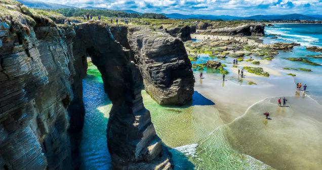 Pazo de Fontao: Playa de las Catedrales, 25km