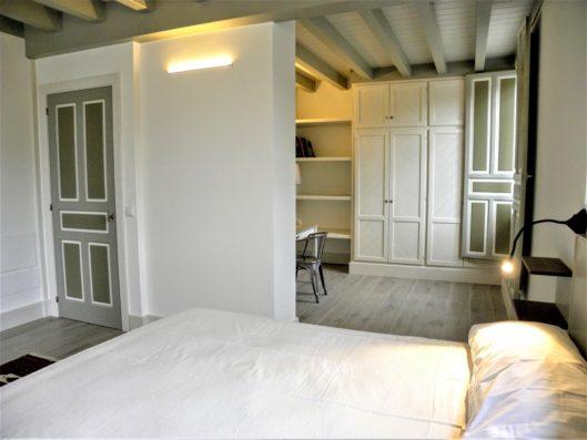 Casa Comillas: master bedroom