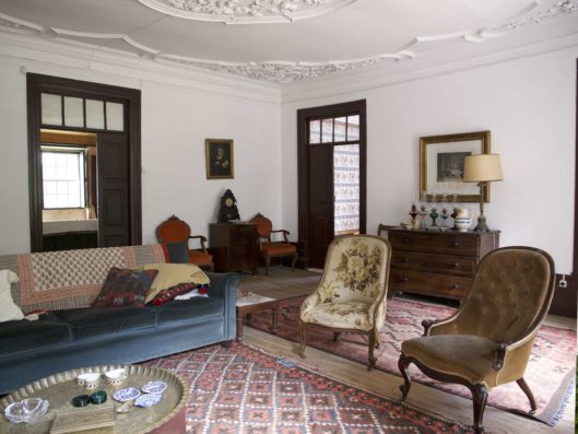 Casa do Retiro: north living room