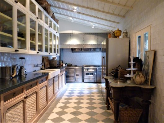 Casa Lozoya: main house kitchen
