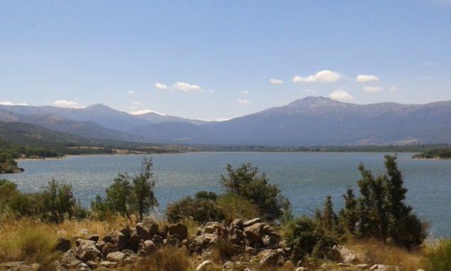 Casa Lozoya: Pinilla reservoir