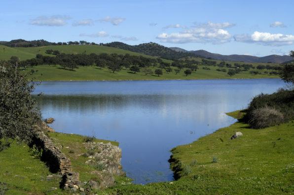 Casa Hinojales: Aracena reservoir