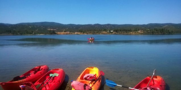 Casa Hinojales: kayaking at Aracena reservoir