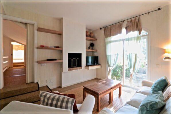 Casa Soto Alto: family room