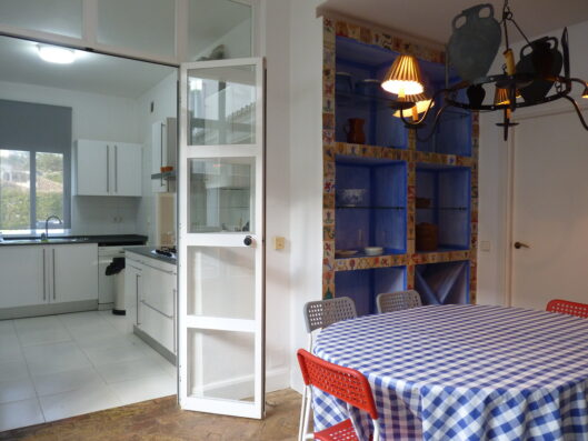 Casa Soto Alto: kitchen with dining table
