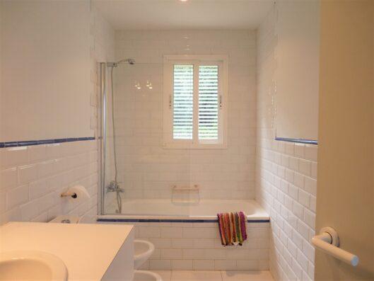 Casa Soto Alto: bathroom of double bedroom 5